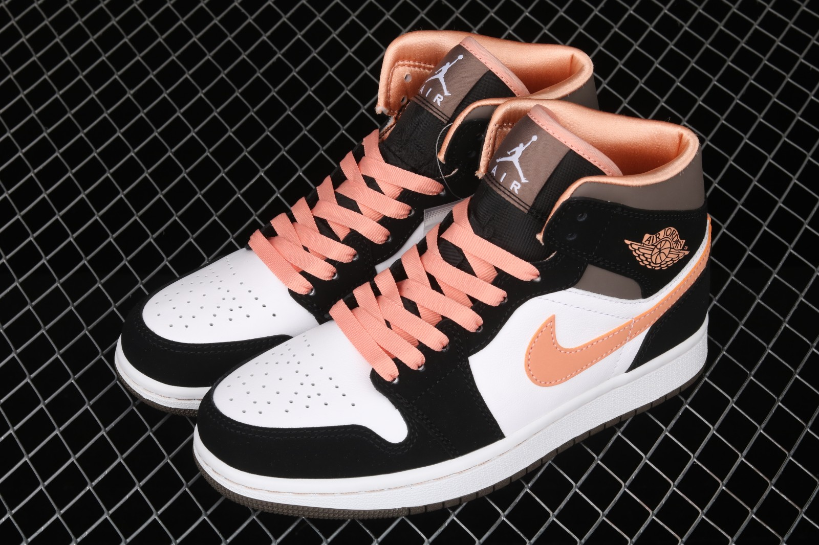 Wmns Air Jordan 1 Mid SE 'Peach Mocha'